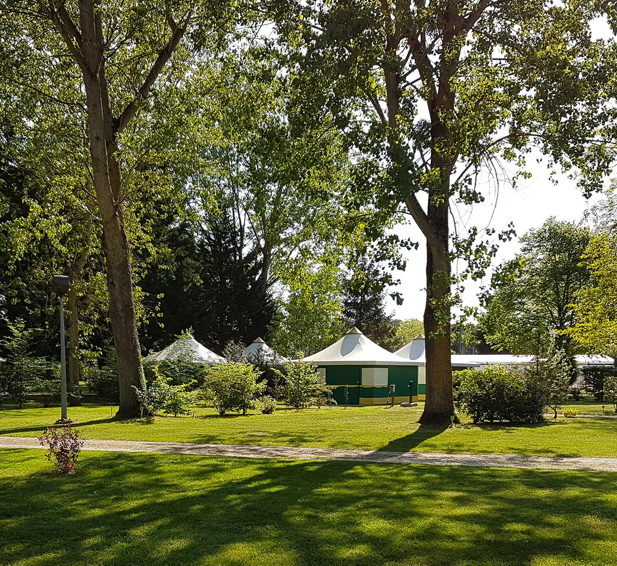 bungalow toile camping-loir-et-cher